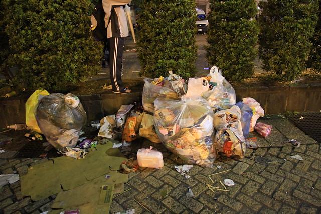 2013台北市跨年晚會垃圾-93-201301010147-賴鵬智攝