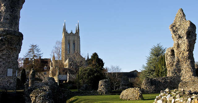St Edmundbury Cathedral through the Abbey Ruins
