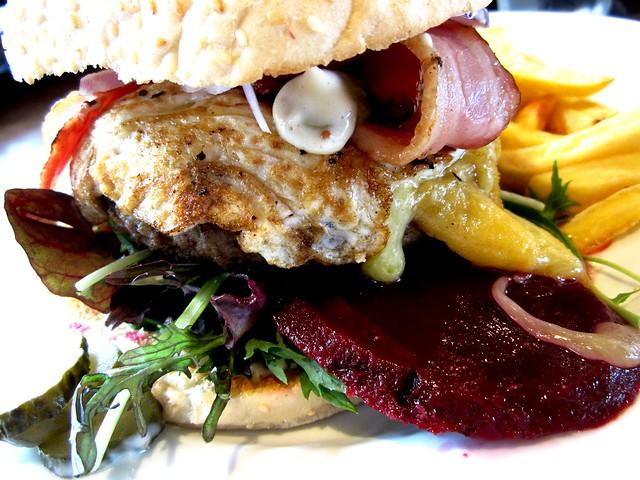 Kiwi burger 2