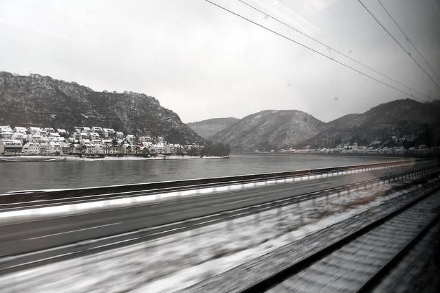 Rhine by train - Kestert und Hirzenach