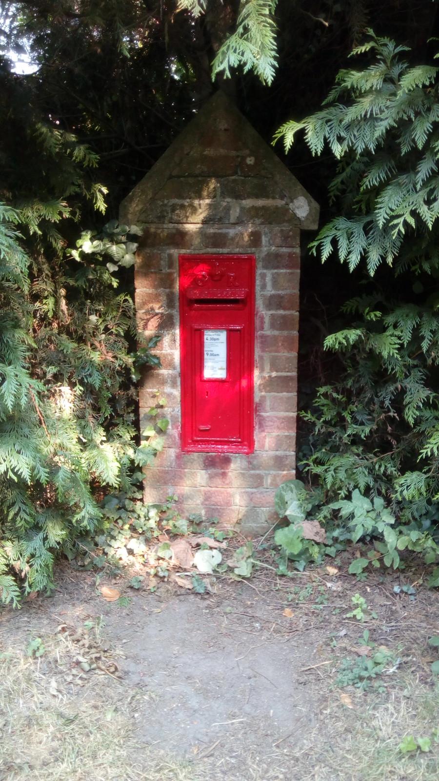 Dinky Post Box