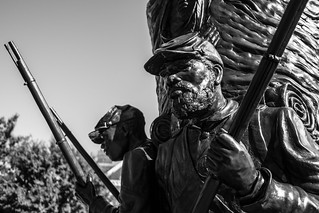 Imagen de African American Civil War Memorial. washingtondc leica leicax2 blackandwhite civilwar statue memorial