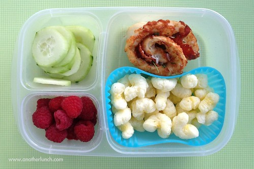 EasyLunchboxes Pizza Roll bento