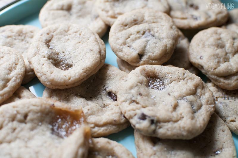 caramelchocolatechipcookies3_veganfling