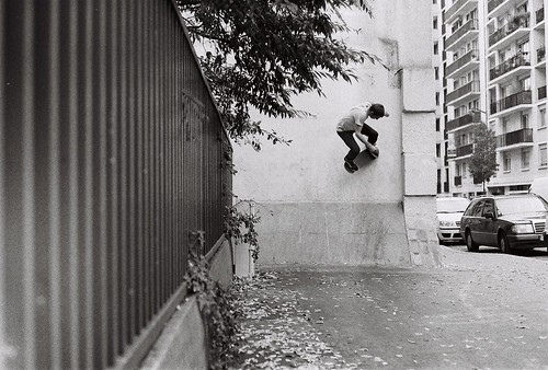 Droit dans le mur. by Delta Johnny