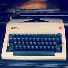 computer keyboard(0.0), blue(0.0), typewriter(1.0), office equipment(1.0),