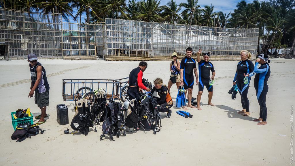Сбор дайверов на пляже