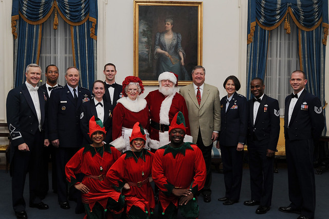 Have a merry Air Force Christmas | Flickr - Photo Sharing!: www.flickr.com/photos/usairforce/8318747170