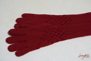 Red Knotty Gloves