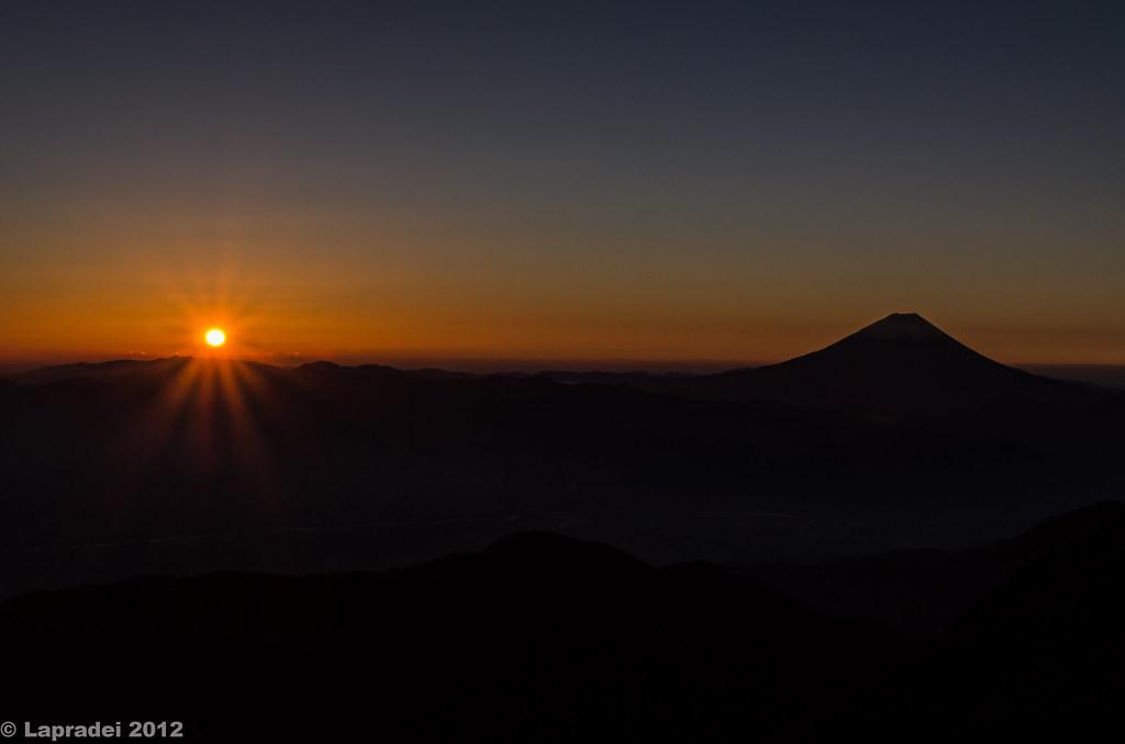 20121104 日の出と富士山の競演