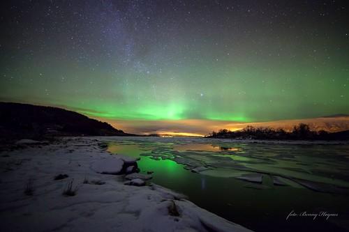 jan 10. 2013 from Roksøy, Sortland, Norway. Nice auroras, and iceflakes.