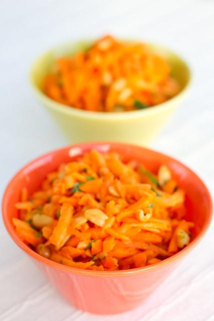 Krõmpsuv porgandisalat soolapähklitega / Crunchy carrot and salted peanut salad