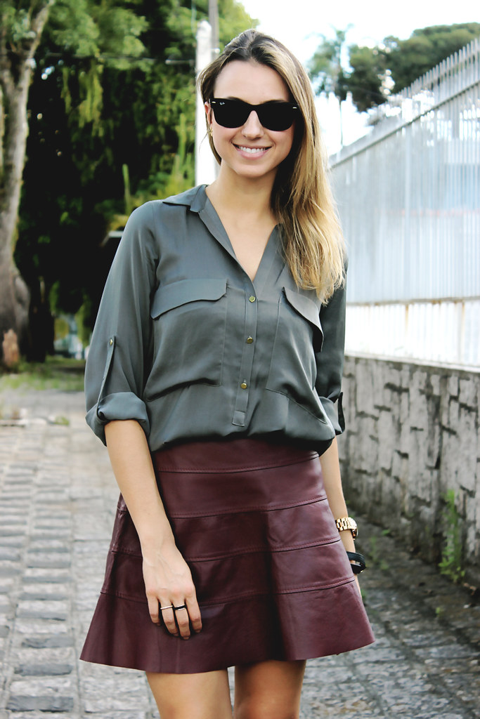 Look-burgundy-leather-skirt-fashion-blogger-style-update-ivi-cornelsen-01
