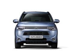 automobile, automotive exterior, sport utility vehicle, vehicle, compact sport utility vehicle, mitsubishi outlander, mitsubishi, grille, bumper, land vehicle,