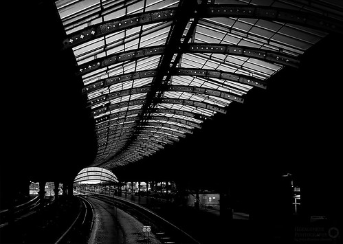 York Station designed by the North Eastern Railway architects Thomas Prosser and William Peachey, when it opened in 1877 it was the largest station in the world.