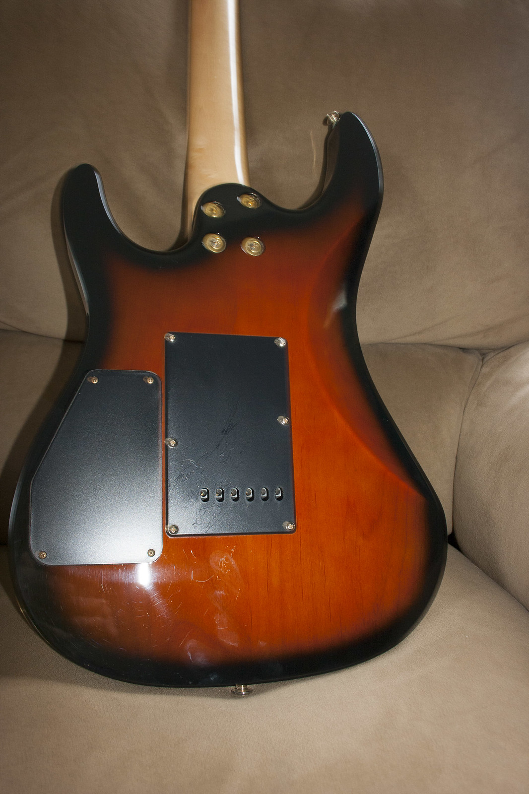 wtt ia beautiful aria mac 60 magna for acoustic electric ultimate guitar. Black Bedroom Furniture Sets. Home Design Ideas