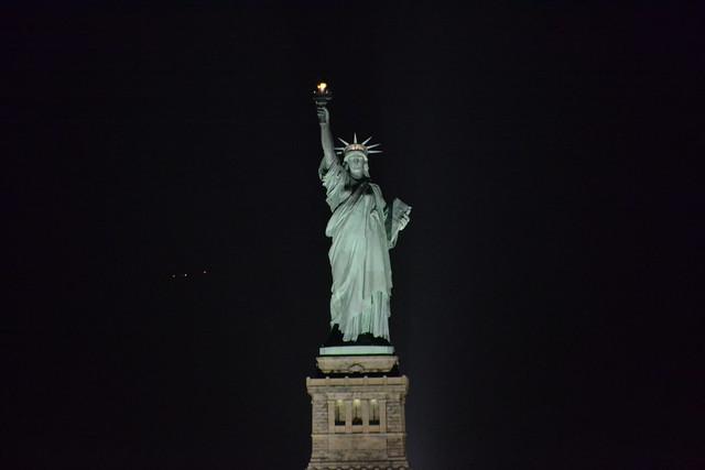 statue of liberty night - photo #40