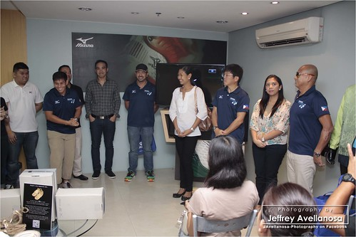 Osaka Marathon PH delegates at the Mizuno BE Launch