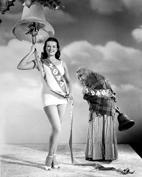 1947 Janis Paige