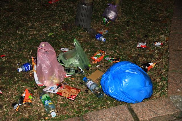 2013台北市跨年晚會垃圾-45-201301010044-賴鵬智攝