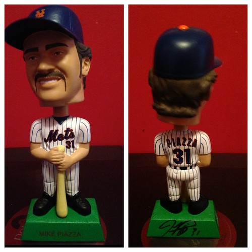 Autographed Piazza bobblehead