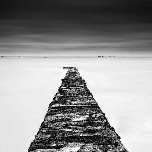 longexposure bw seascape landscape blackwhite noiretblanc sigma negativespace jersey 1770 squarecrop manfrotto sigma1770 10stopnd bwnd110 d7000 lightroom4 silverefexpro2