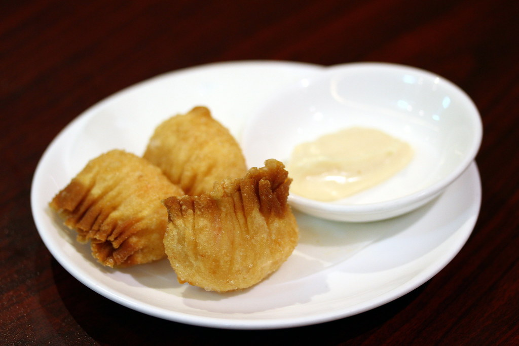 Imperial Treasure Nan Bei Restaurant: Deep Fried Prawn Dumpling