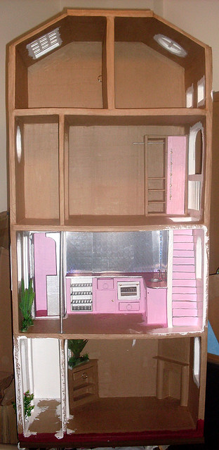 BarbieCardboardDollhouse074