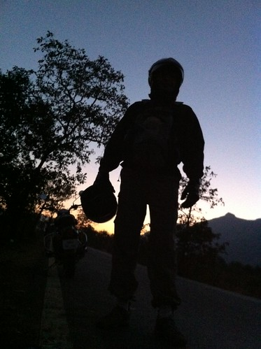 Riding in the dawn towards Hadsar fort