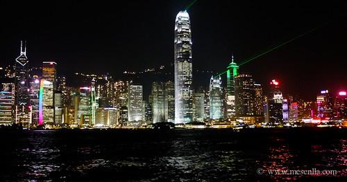 Luces y sonido en los rascacielos de Hong Kong