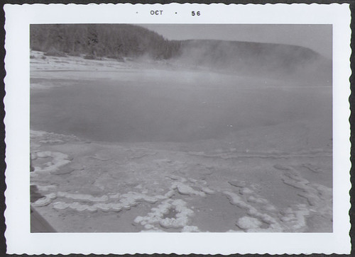Yellowstone1956_HotSpringBig