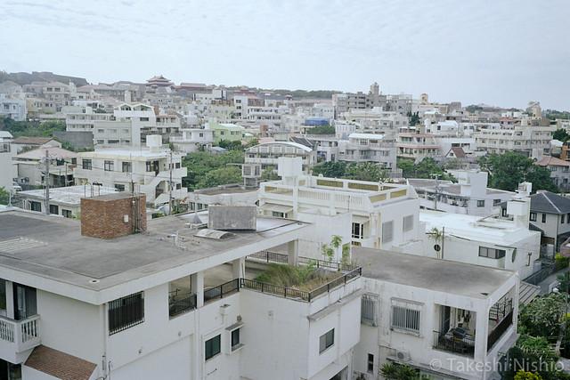 モノレールから見えた首里城 / Seeing Shurijo from monorail inside