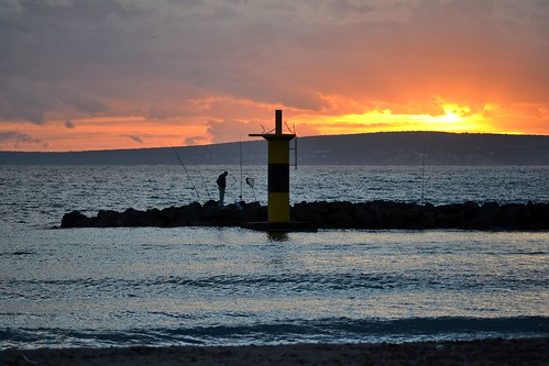 sunset sea españa sun lighthouse faro atardecer bay mar fishing spain nikon mediterranean mediterraneo bahia mallorca palma pesca pescador mygearandme d3100