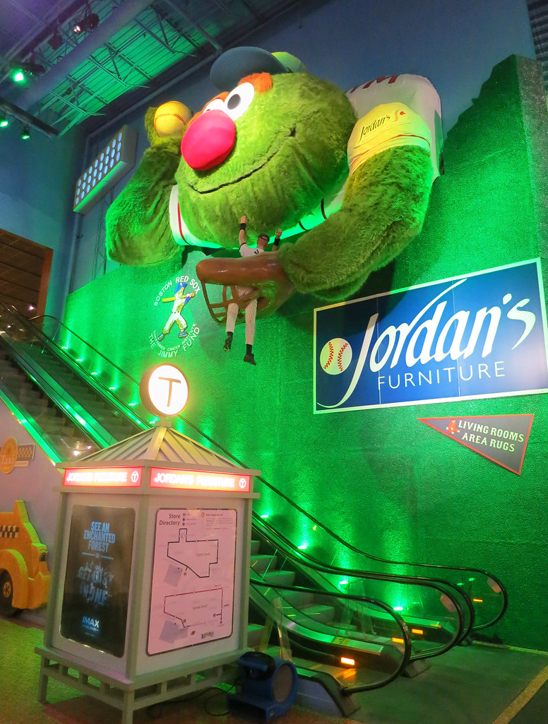 Jordan\'s Furniture Store in Reading, MA Houses an IMAX Theater ...