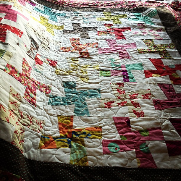 Started quilting this last night and I'm trying to decide if I like it or not #toripornottorip