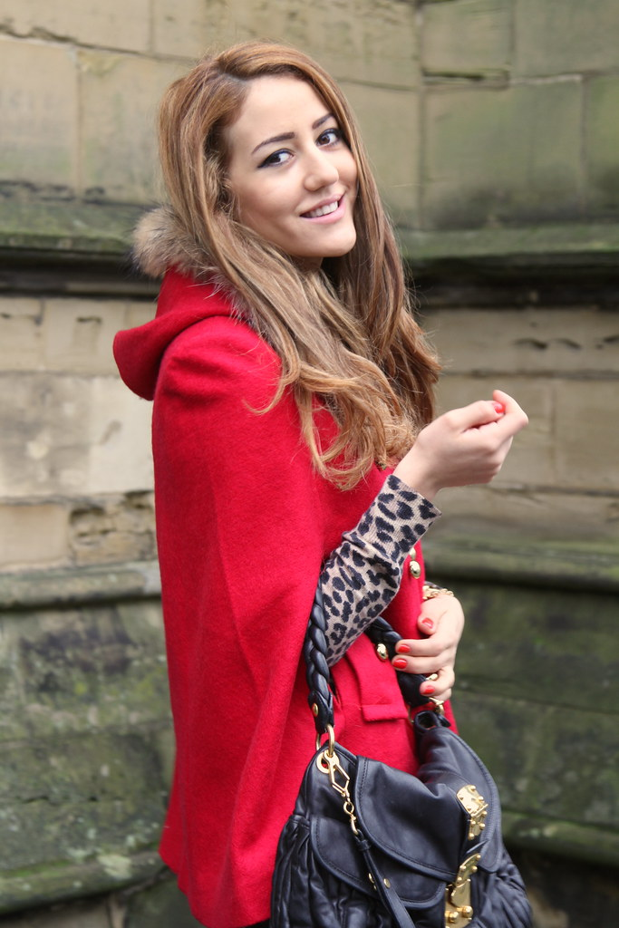 gorgeous red cape, blog, fashion