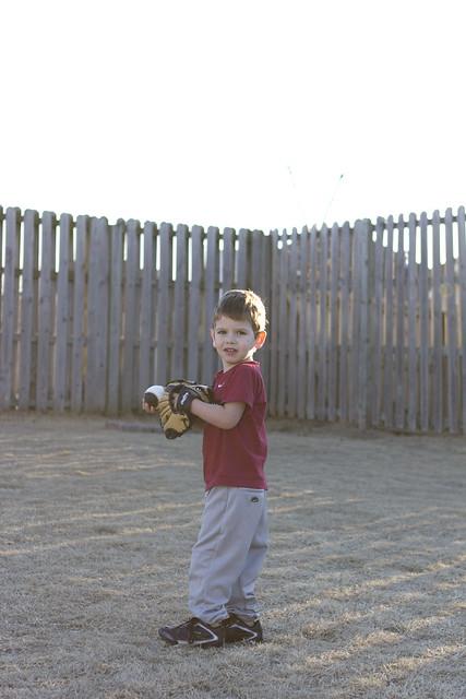 practicingbaseball_3