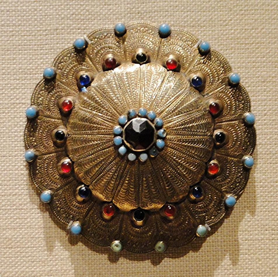 101 7dec12 4978 collar stud  Yomut Metropolitan Museum of Art mandala silver turquoise