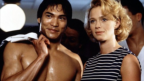 Jason Lee Scott and Lauren Holly, playing Bruce Lee and Linda Lee, in Dragon: The Bruce Lee Story