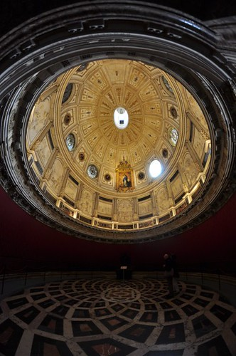 Catedral de Sevilla Catedral de Sevilla, sepulcro de la historia de américa - 8322044109 bc7f8926a1 - Catedral de Sevilla, sepulcro de la historia de américa