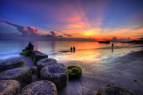 bali beach rock sunrise indonesia landscape photography tour wave guide breaker pantai sanur matahari terbit baliphotography balitravelphotography baliphotographytour baliphotographyguide