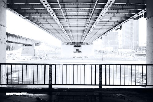 Under the bridge HD by foma_kamushken