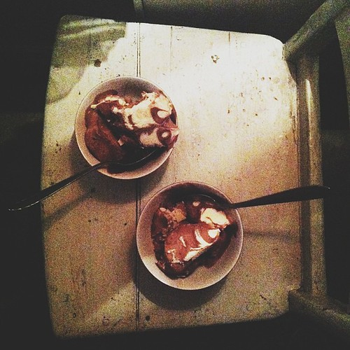 super cheeky ice cream in bed with woody allen & @fivrel