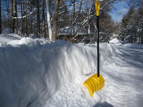 除雪車が積み上げた雪の高さは90cm。。 by Poran111