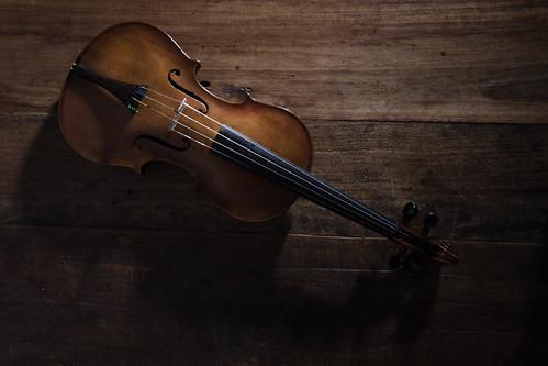 [フリー画像素材] 物・モノ, 楽器, バイオリン, 音楽 ID:201301250000