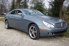 mercedes-benz e-class(0.0), sedan(0.0), automobile(1.0), automotive exterior(1.0), wheel(1.0), vehicle(1.0), automotive design(1.0), mercedes-benz w219(1.0), mercedes-benz(1.0), rim(1.0), mid-size car(1.0), bumper(1.0), mercedes-benz cls-class(1.0), personal luxury car(1.0), land vehicle(1.0), luxury vehicle(1.0),