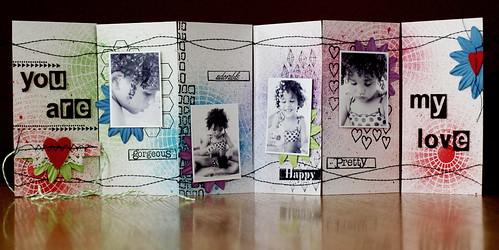więcej tu: http://skok-w-bok.blogspot.com/2013/02/walentynkowy-mini-albumik.html