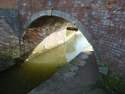 A walk on the Chesterfield Canal [from Shireoaks Marina to Worksop]