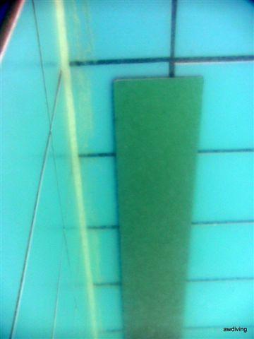 Strip aanbrengen met onderwaterlijm