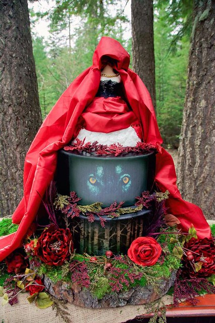 Red Riding Hood Themed Cake by Krystal Haak of Sweet Delights